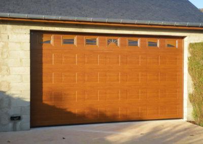 porte sectionnelle avec hublots
