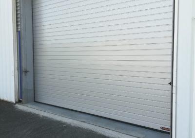 porte sectionnelle motorisée industrielle