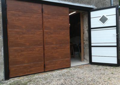 Porte de garage battante avec portillon